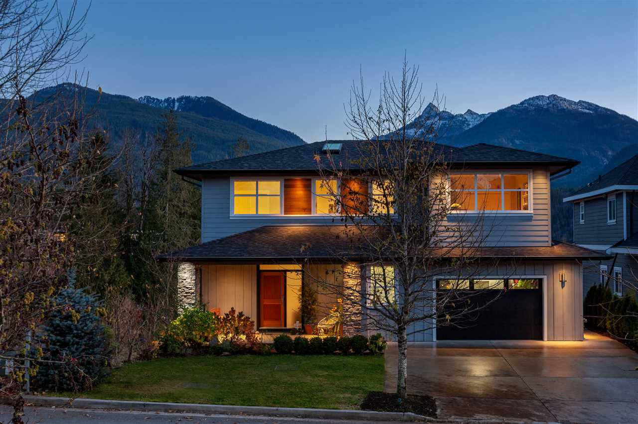 2954 STRANGWAY PLACE, Squamish