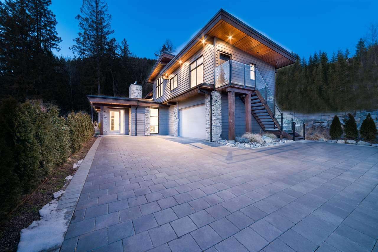 3345 DESCARTES PLACE, Squamish