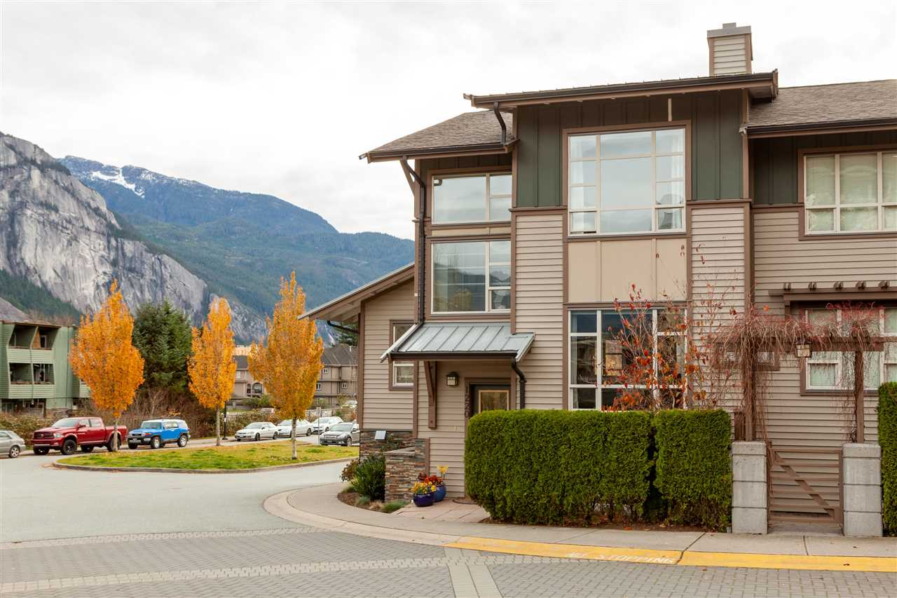 1220 VILLAGE GREEN WAY, Squamish
