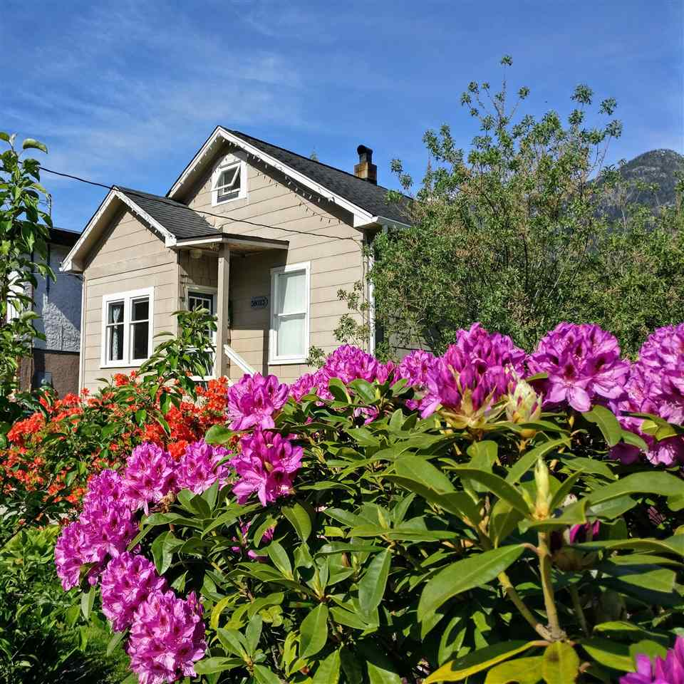 38023 FIFTH AVENUE, Squamish