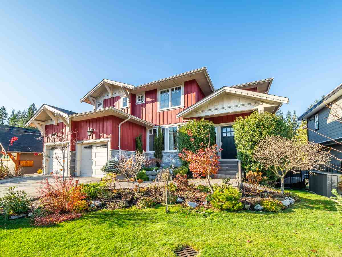 1022 JAY CRESCENT, Squamish