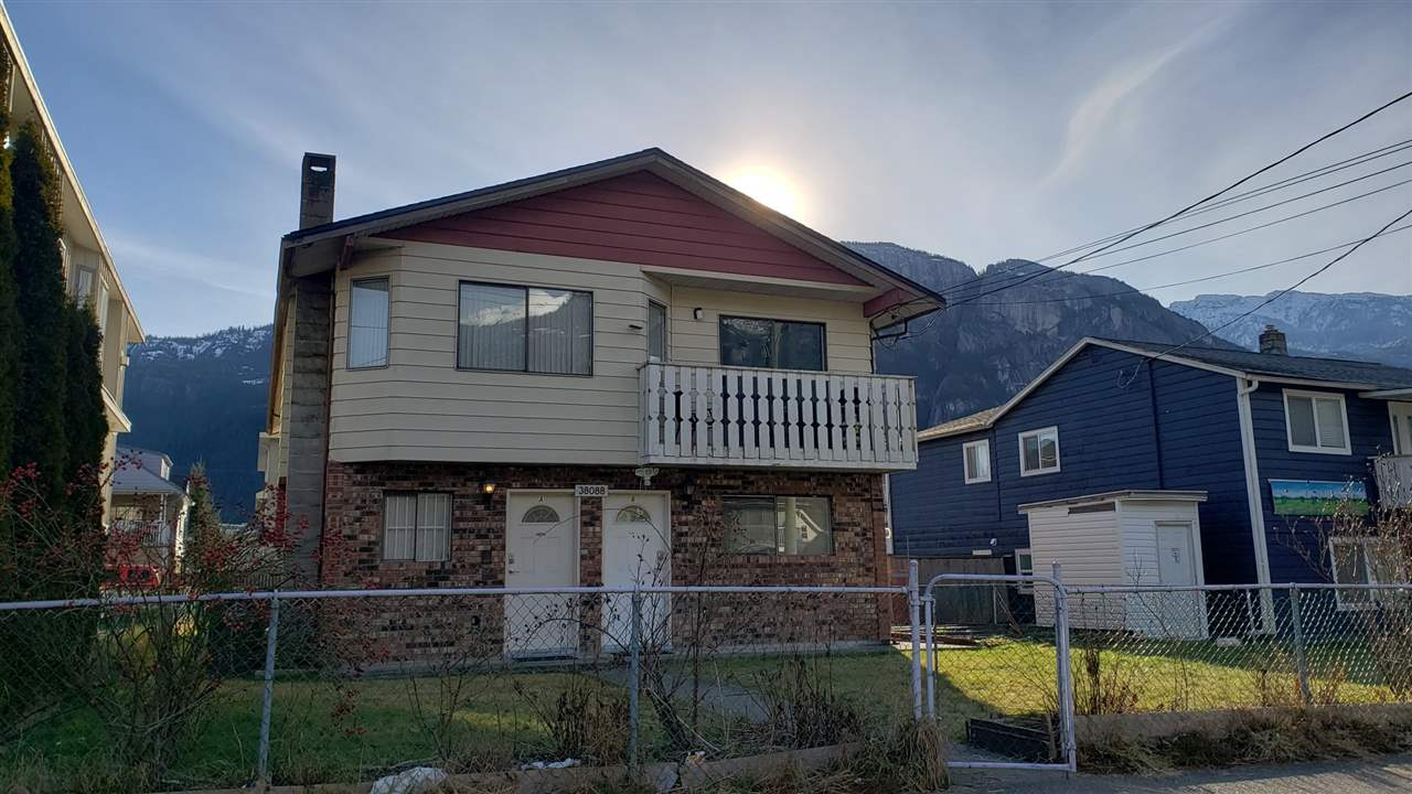 38088 FOURTH AVENUE, Squamish