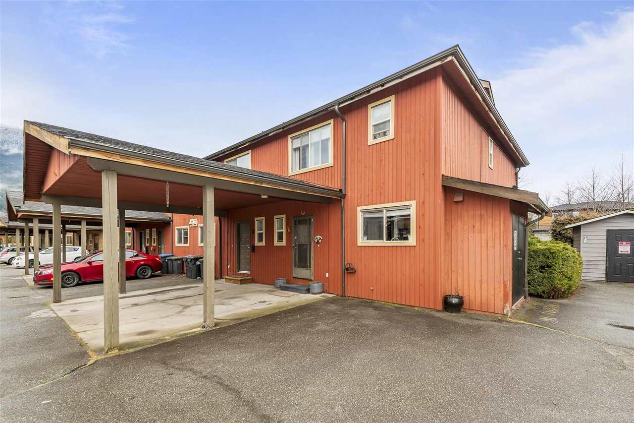 6 41450 GOVERNMENT ROAD, Squamish