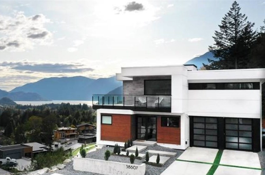 38607 HIGH CREEK DRIVE, Squamish