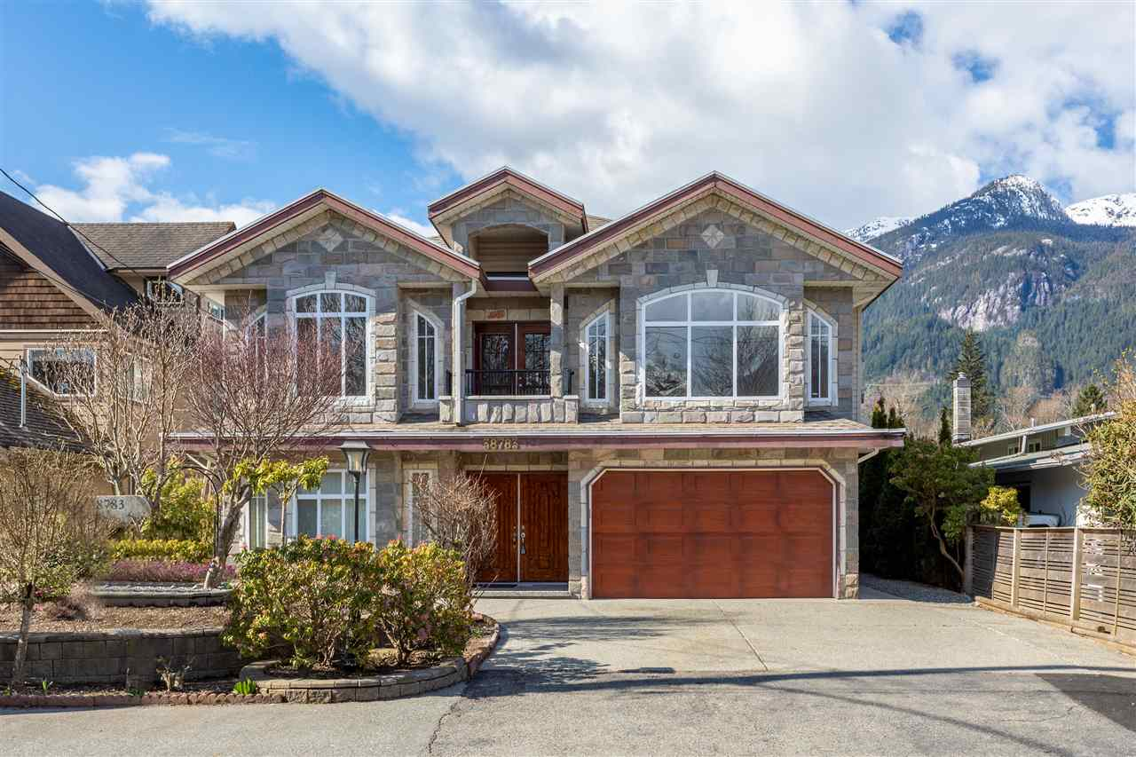 38783 GARIBALDI AVENUE, Squamish