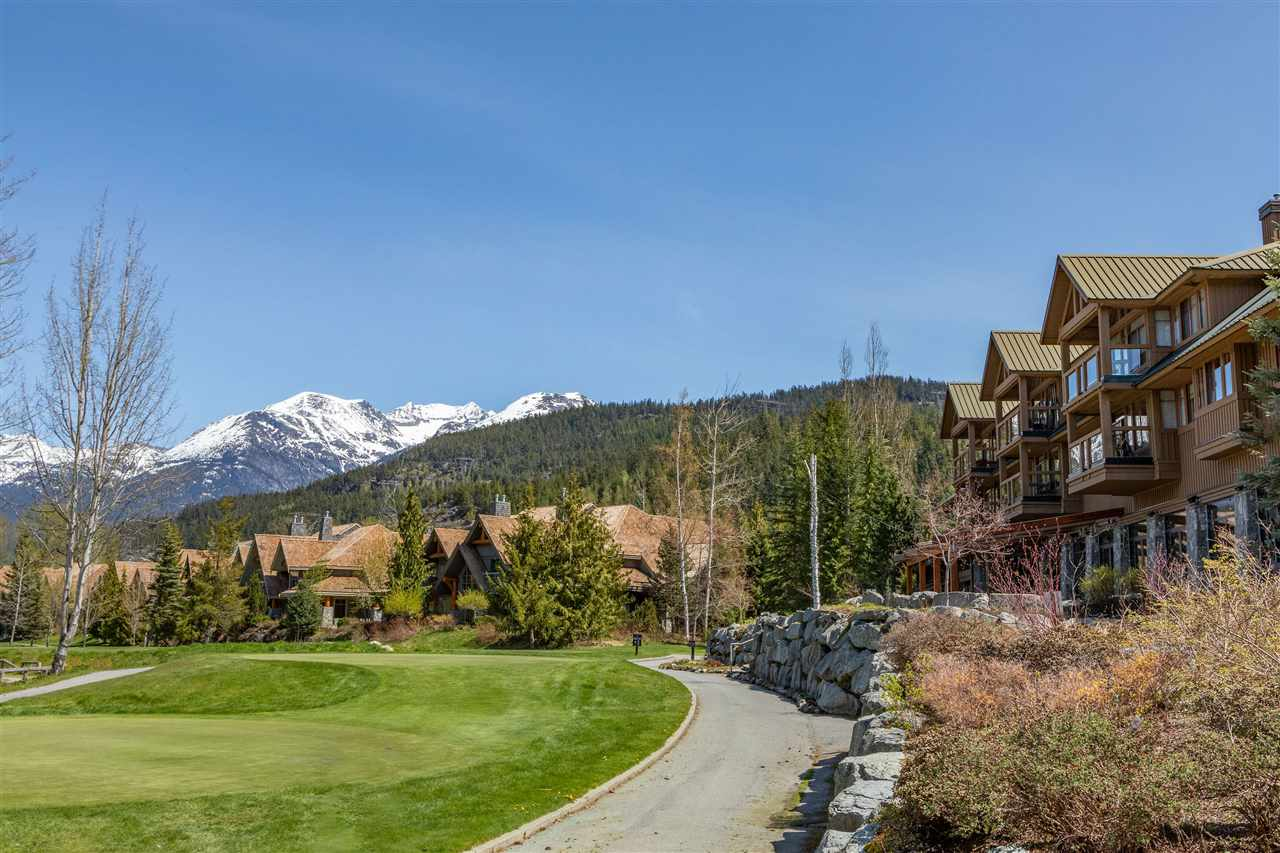 206 8080 NICKLAUS NORTH BOULEVARD, Whistler