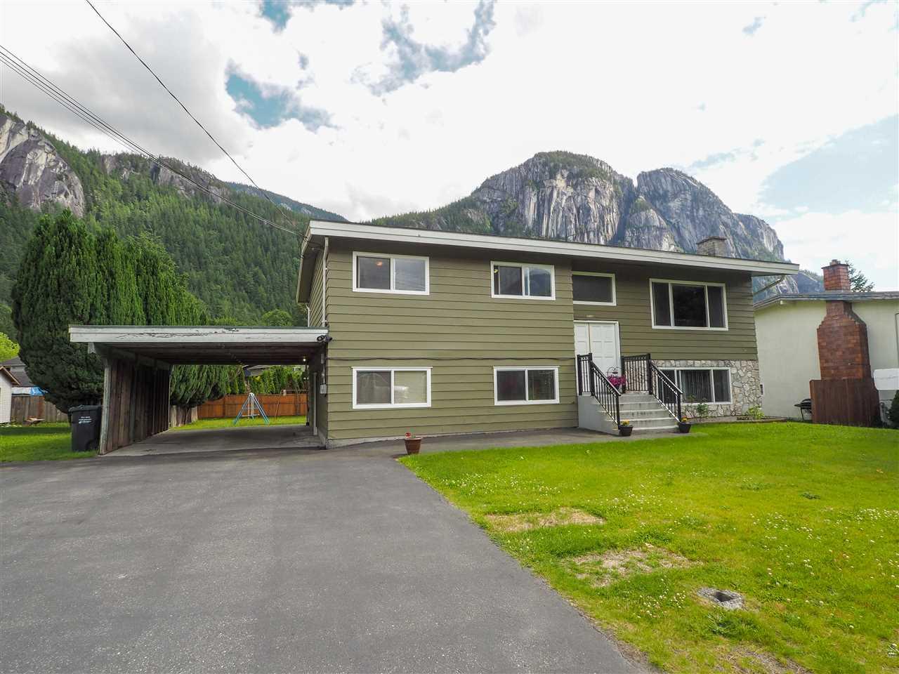 38140 HEMLOCK AVENUE, Squamish