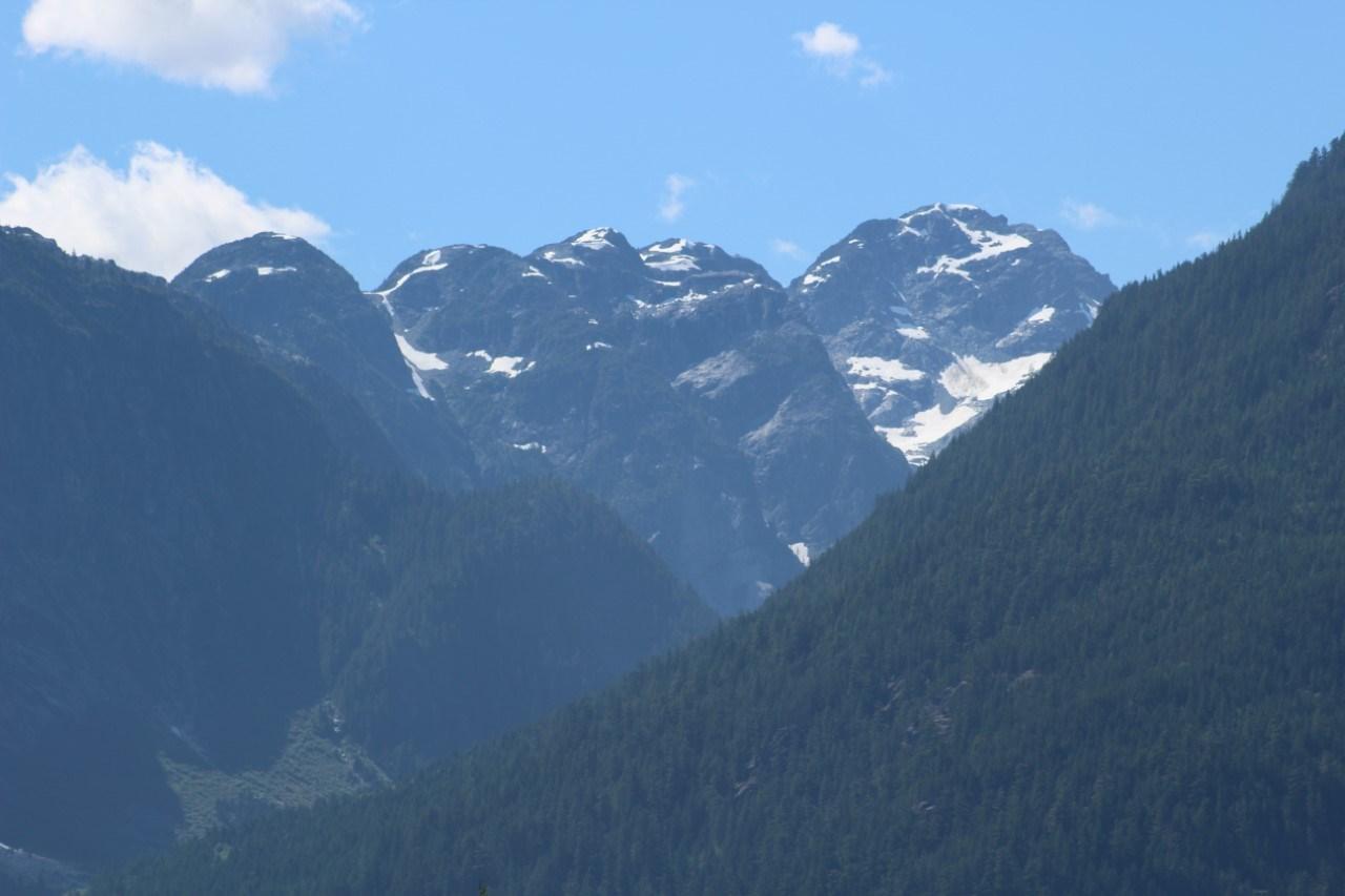 1066 JAY CRESCENT, Squamish