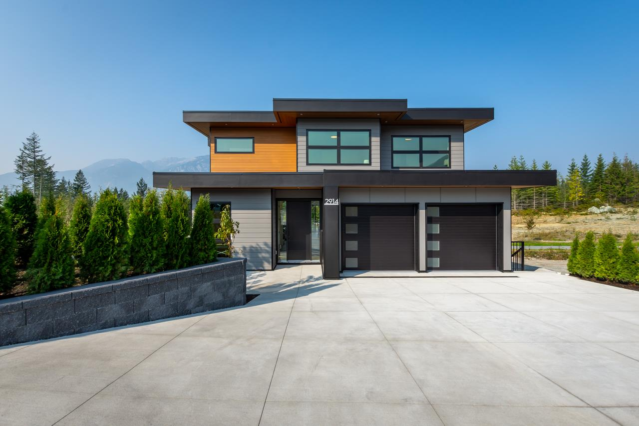 2914 HUCKLEBERRY DRIVE, Squamish