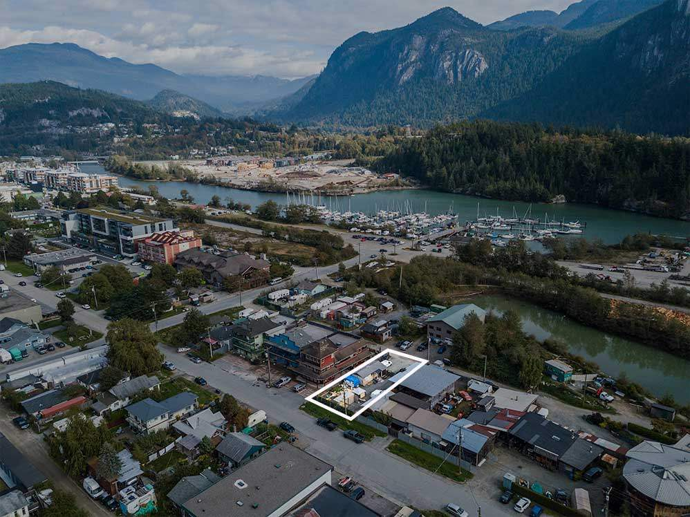 37752 SECOND AVENUE, Squamish
