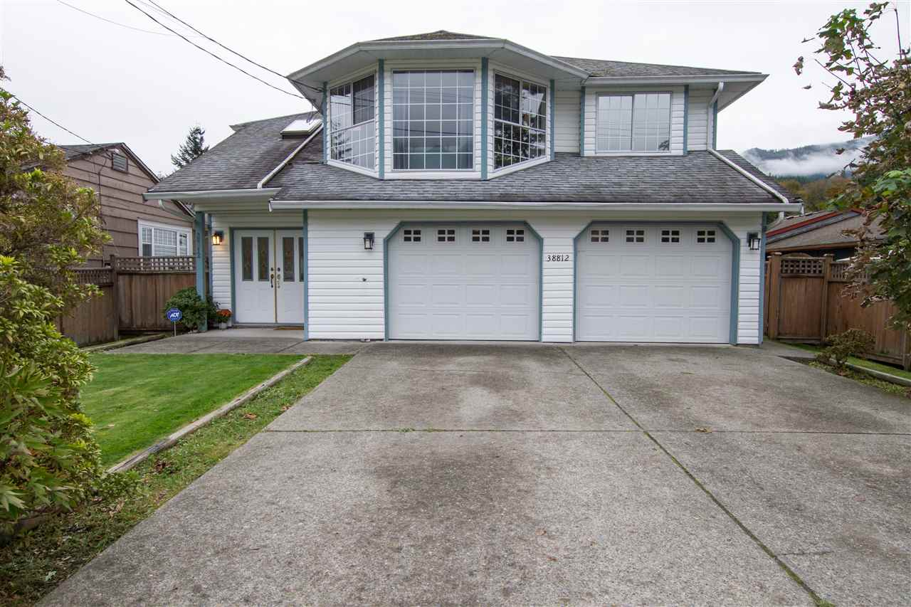 38812 NEWPORT ROAD, Squamish