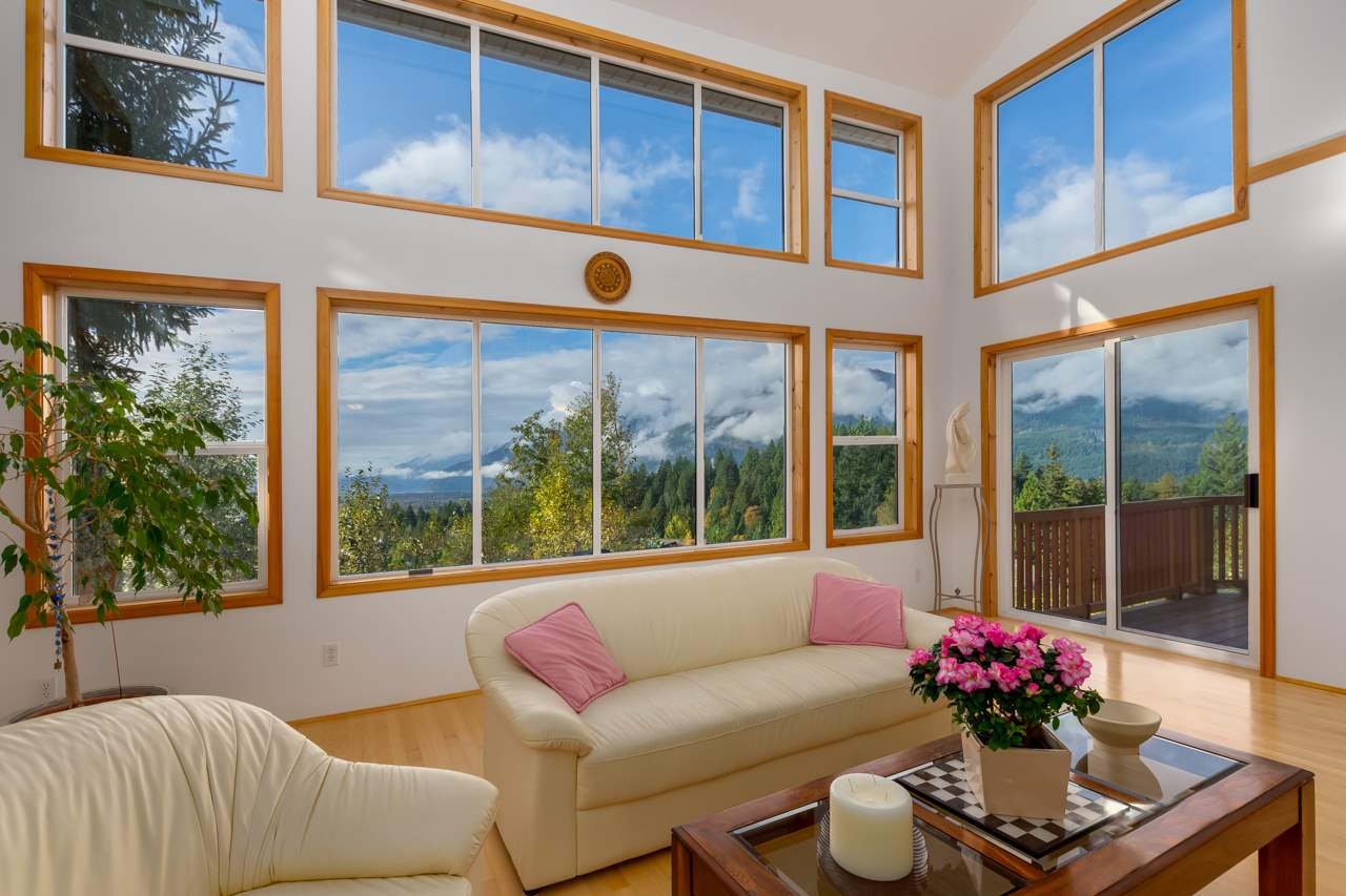 1027 GLACIER VIEW DRIVE, Squamish