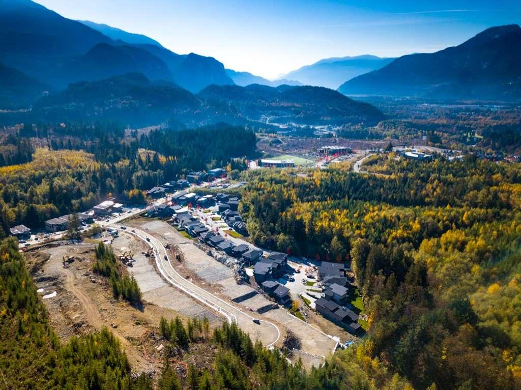 8 3385 MAMQUAM ROAD, Squamish