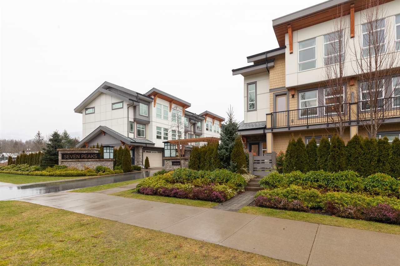 55 39548 LOGGERS LANE, Squamish