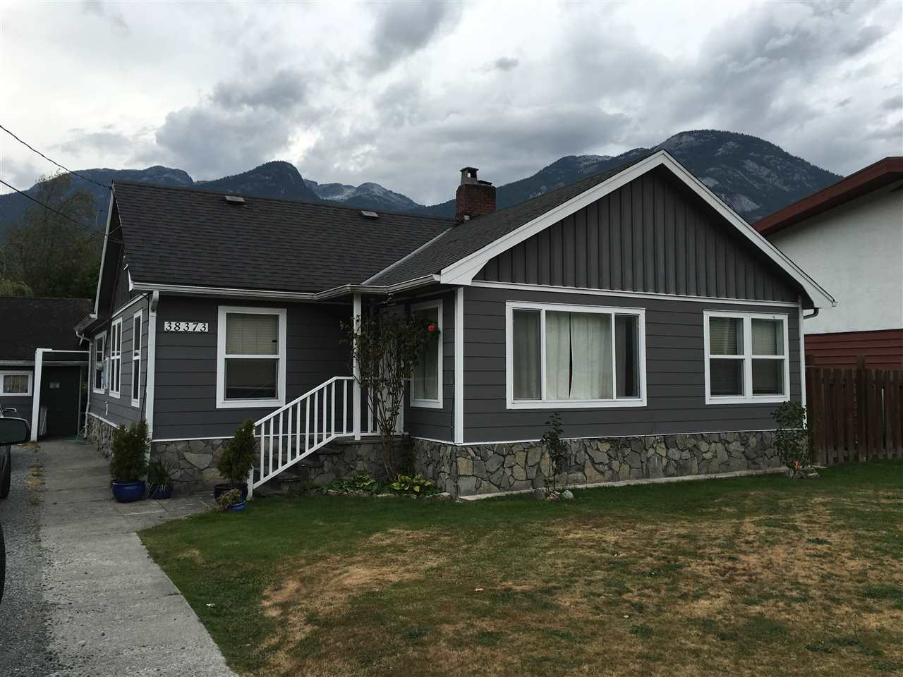 38373 BUCKLEY AVENUE, Squamish
