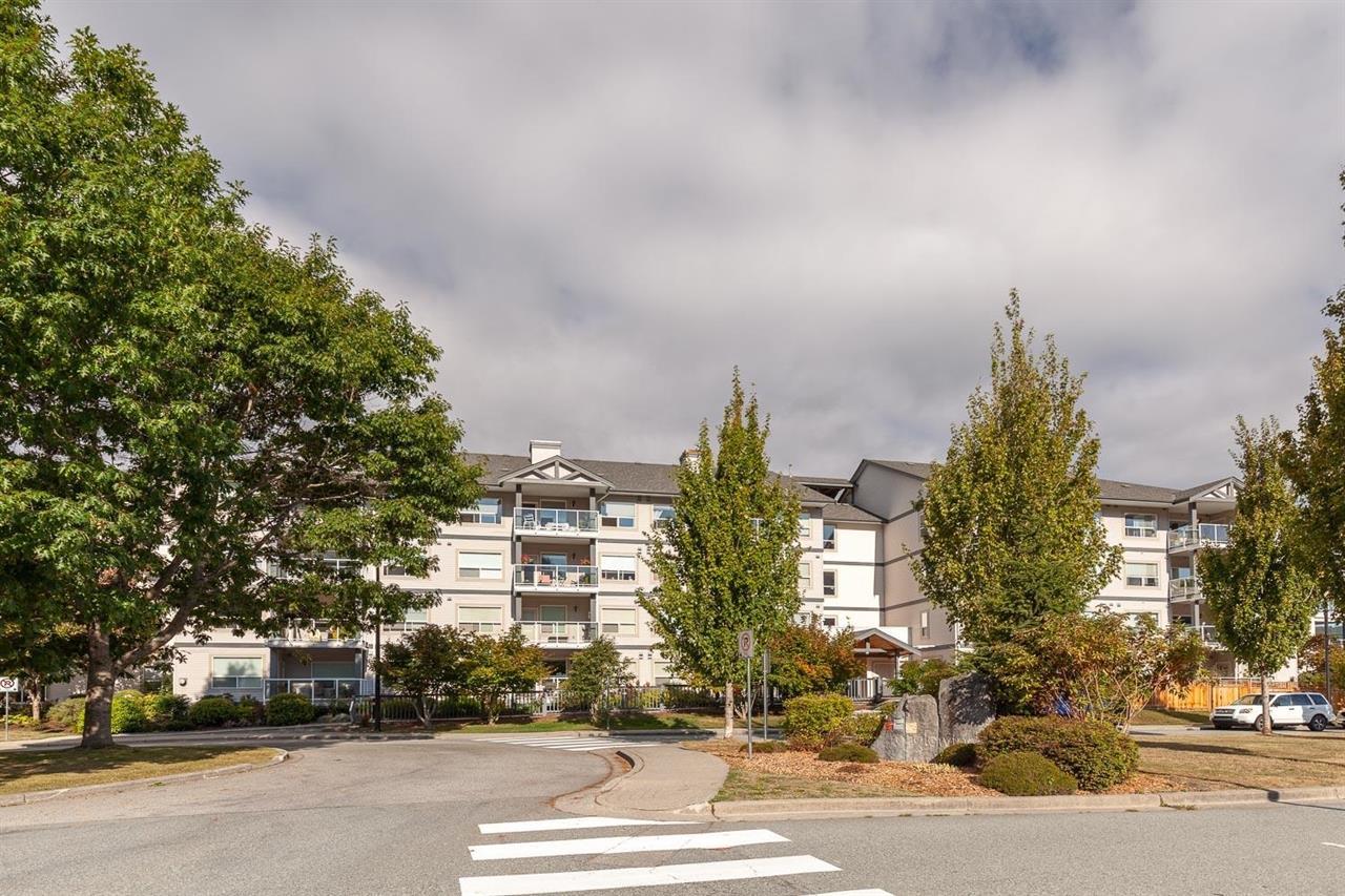 102 1203 PEMBERTON AVENUE, Squamish
