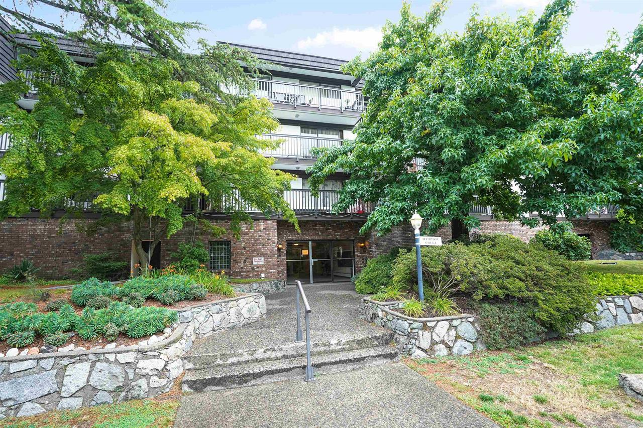 208 270 WEST 3RD STREET, North Vancouver