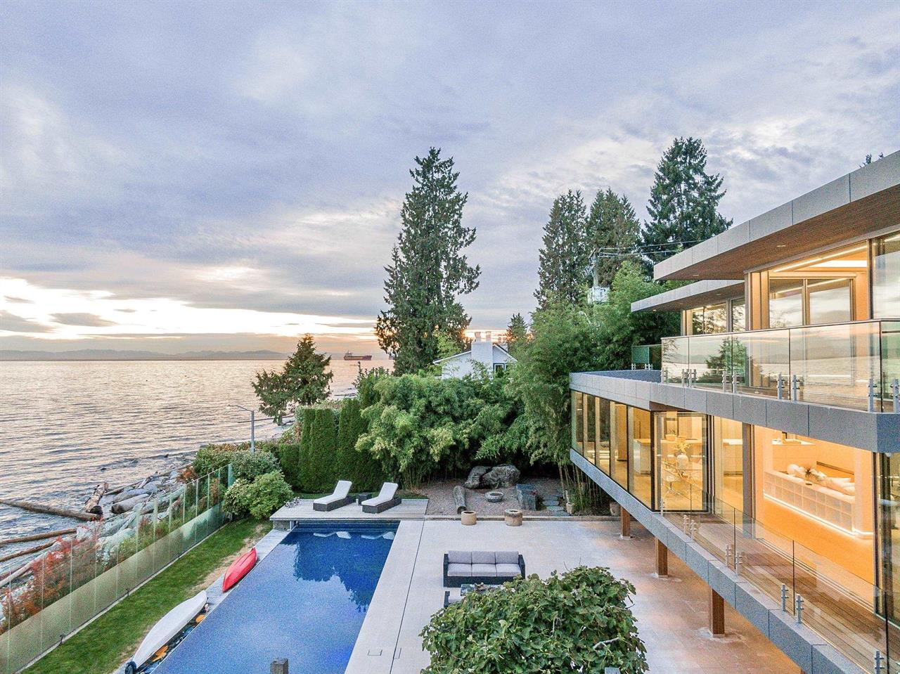 166 28TH STREET, West Vancouver