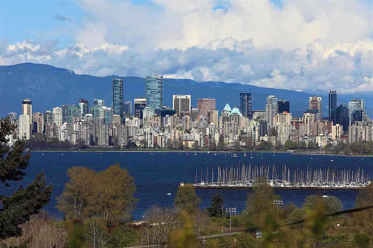 4580 W 1ST Point Grey, Vancouver (R2218708)