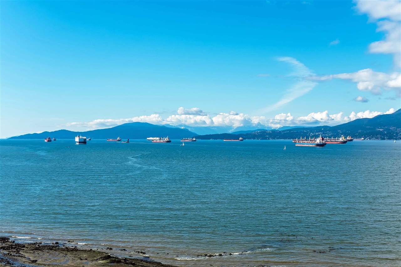 2707 POINT GREY ROAD, 2498