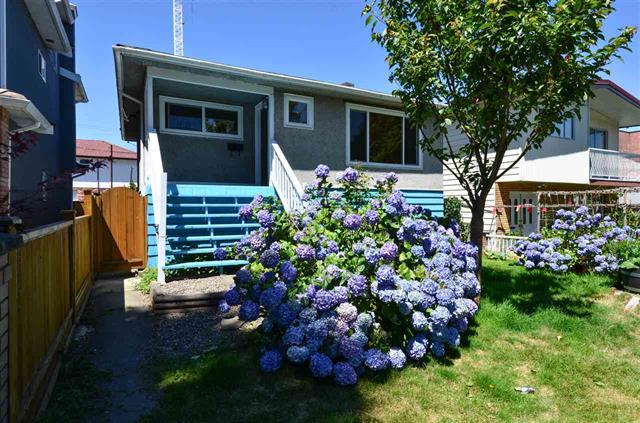 4873 BALDWIN STREET - Victoria - Vancouver