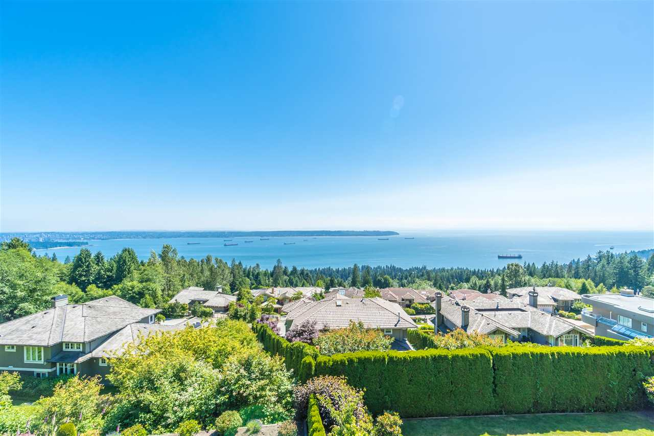 2598 CHIPPENDALE Whitby Estates, West Vancouver (R2240329)