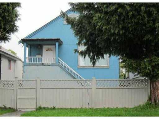 4058 PERRY STREET - Victoria - Vancouver