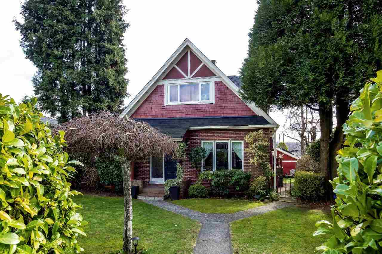 813 E 5TH Queensbury, North Vancouver (R2261093)