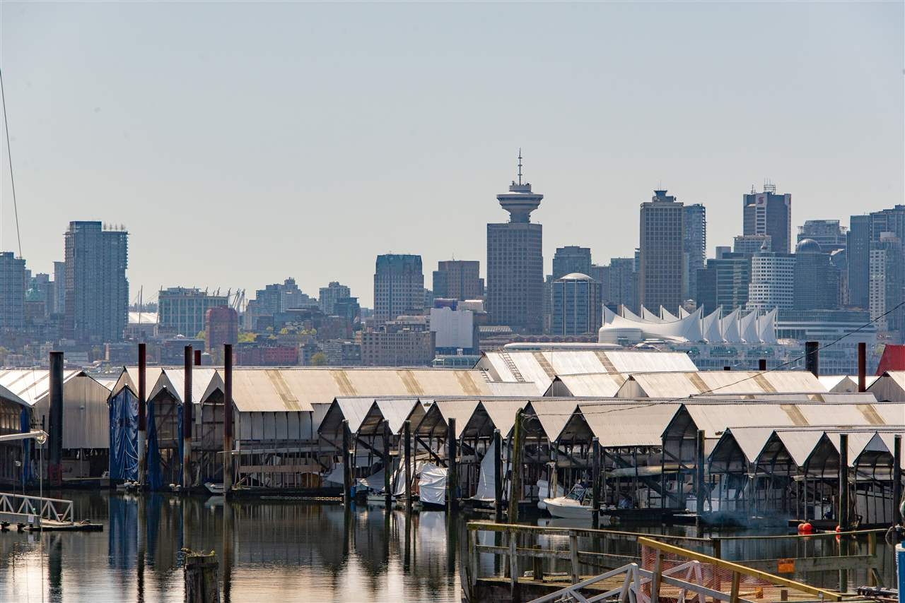 FBH35 -  415 W ESPLANADE #FBH35 Lower Lonsdale, North Vancouver (R2261295)