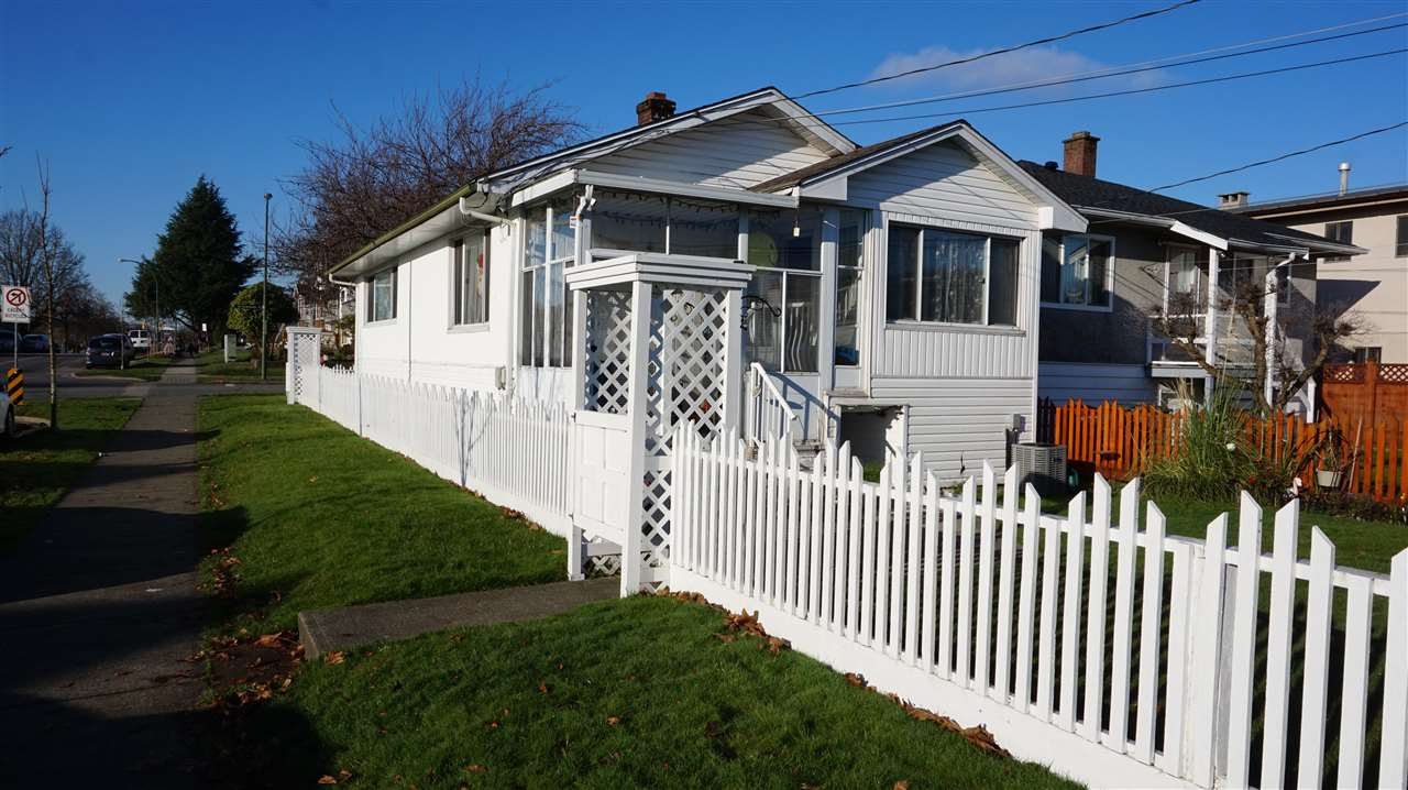 7296 INVERNESS STREET - South Vancouver - Vancouver