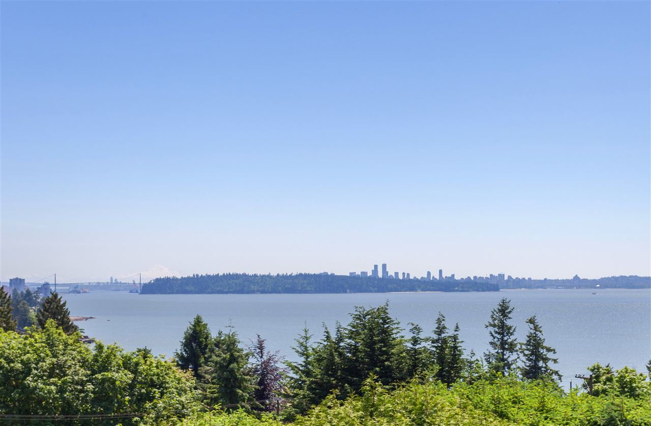 449 HILLCREST Westmount WV, West Vancouver (R2265438)