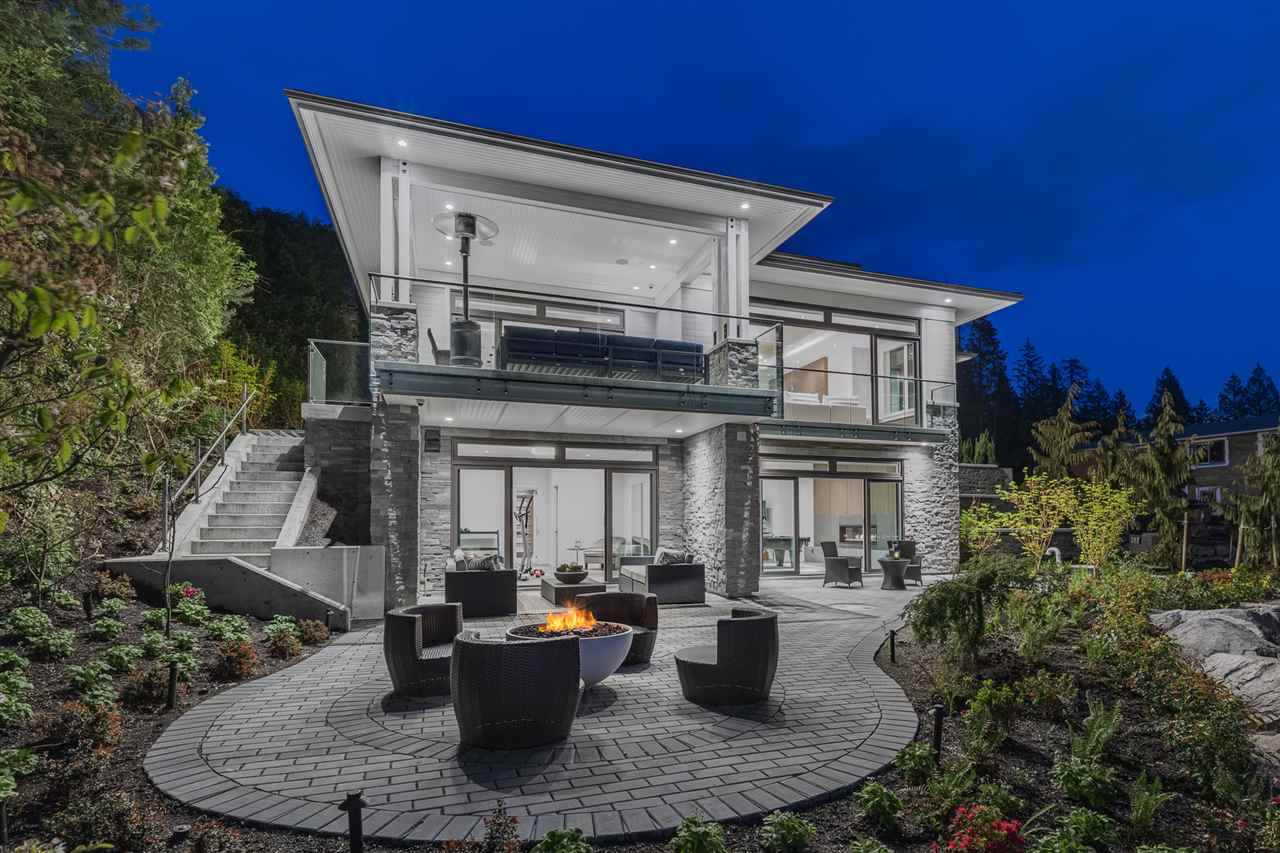 2101 UNION Panorama Village, West Vancouver (R2265961)