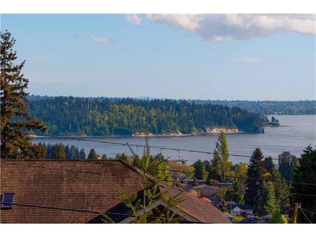 1215 NEPAL Ambleside, West Vancouver (R2269925)