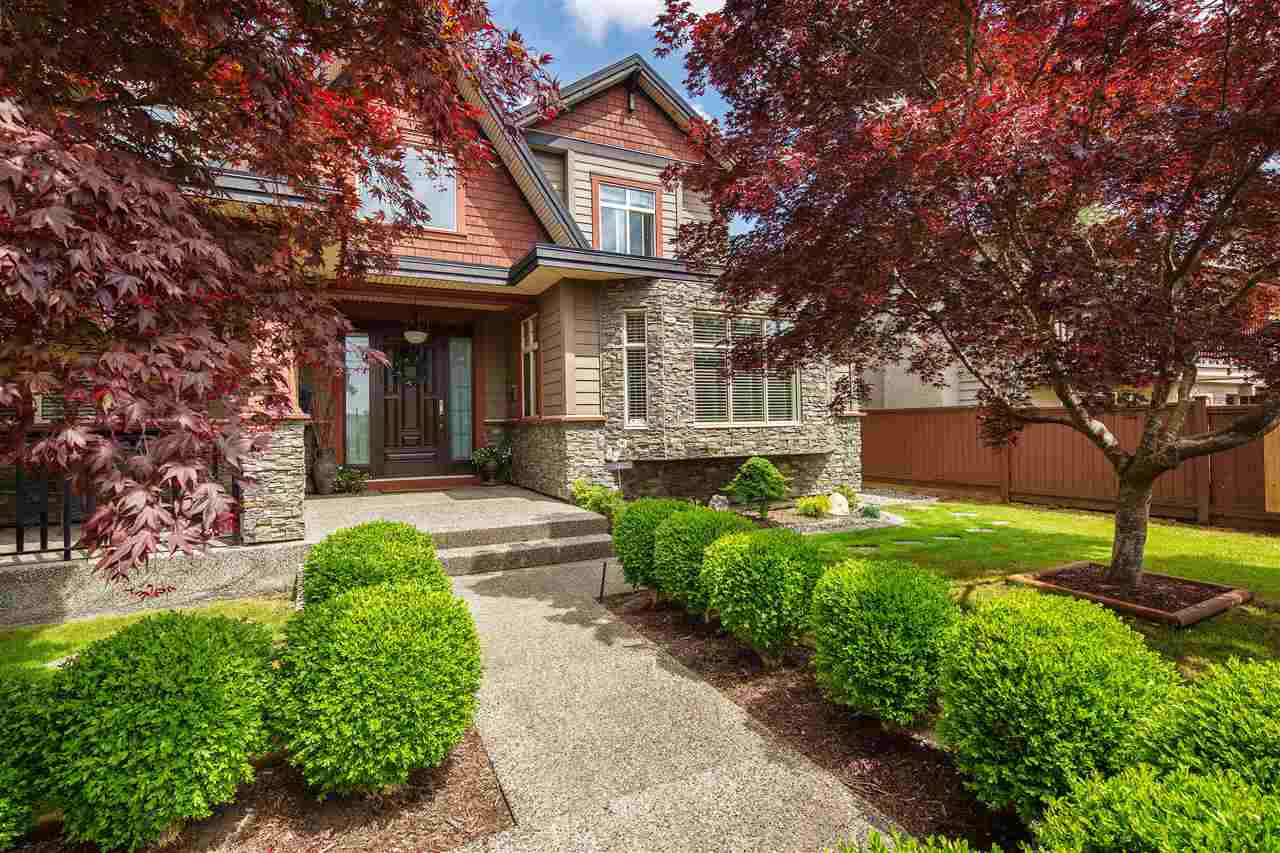 250 W QUEENS Upper Lonsdale, North Vancouver (R2272842)