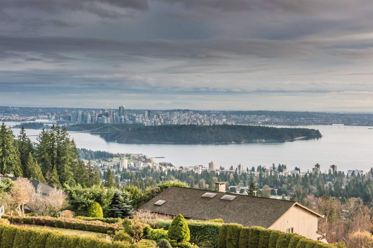 2549 WESTHILL Canterbury WV, Vancouver (R2273951)