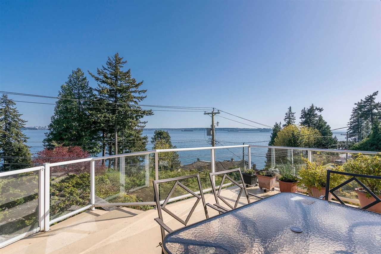3555 SUNSET West Bay, West Vancouver (R2274773)