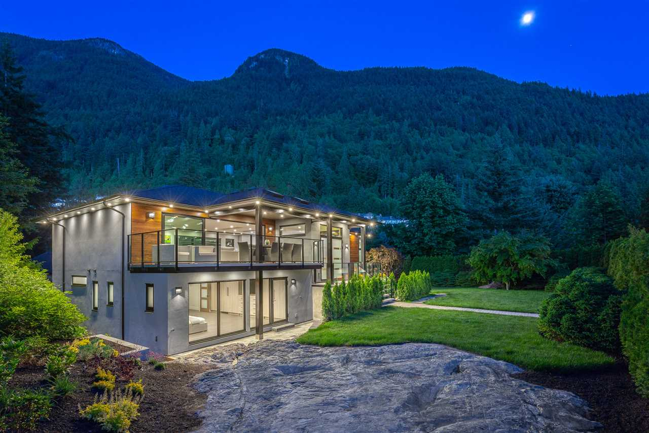 8550 ANSELL Howe Sound, West Vancouver (R2275316)