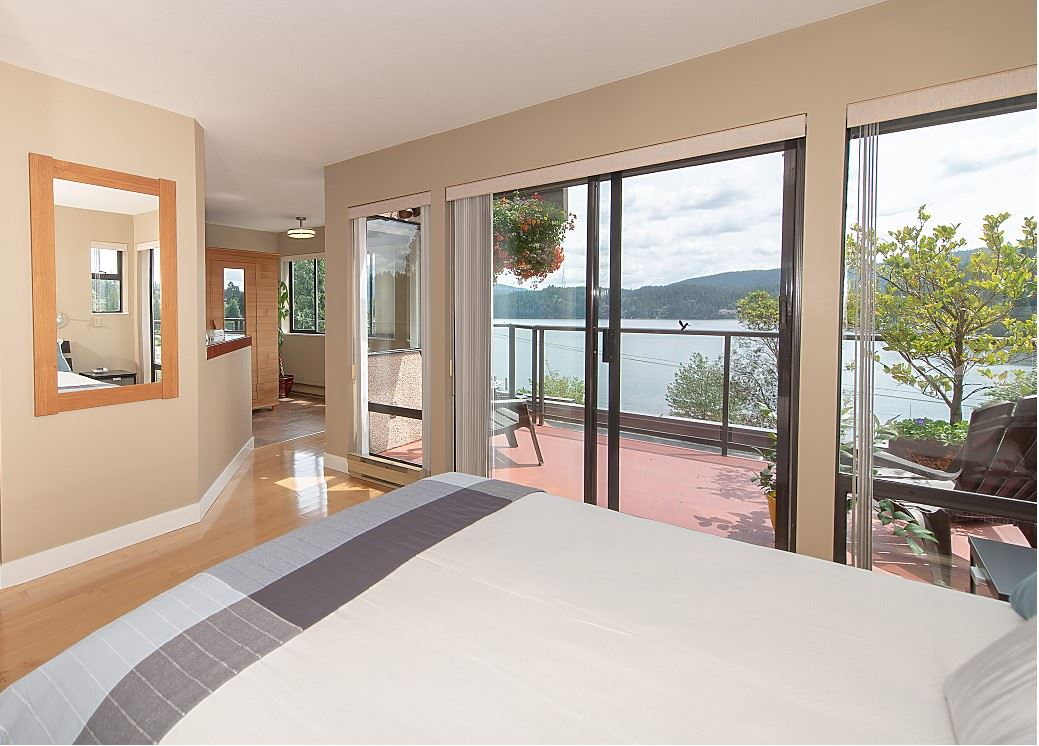 2609 PANORAMA Deep Cove, North Vancouver (R2275357)