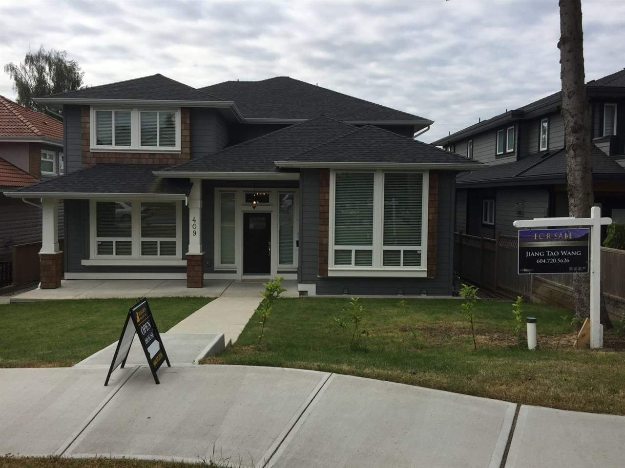 409 E 12TH Central Lonsdale, North Vancouver (R2275723)