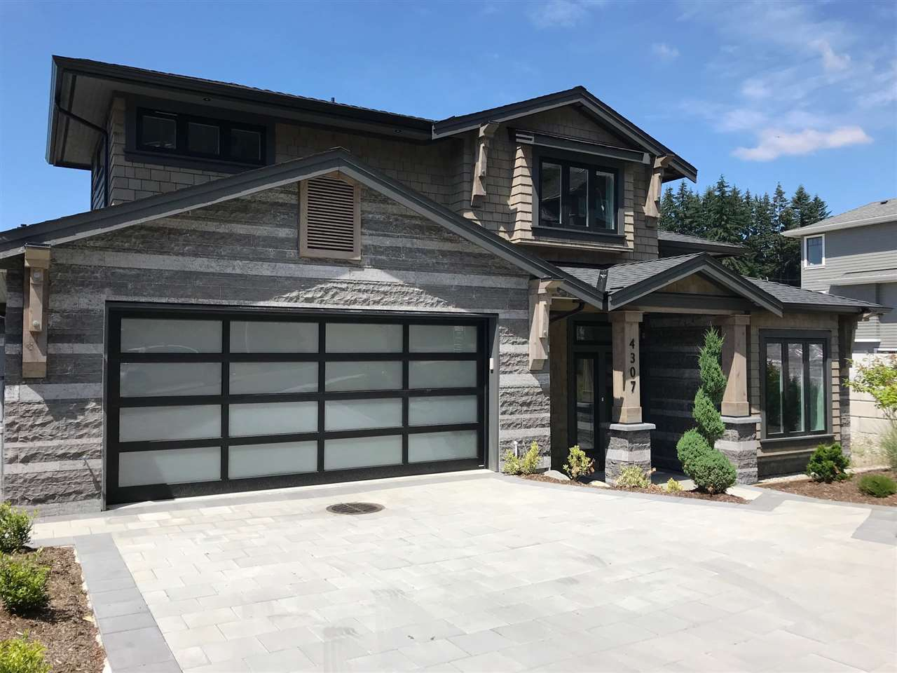 4307 STARLIGHT Upper Delbrook, North Vancouver (R2276376)
