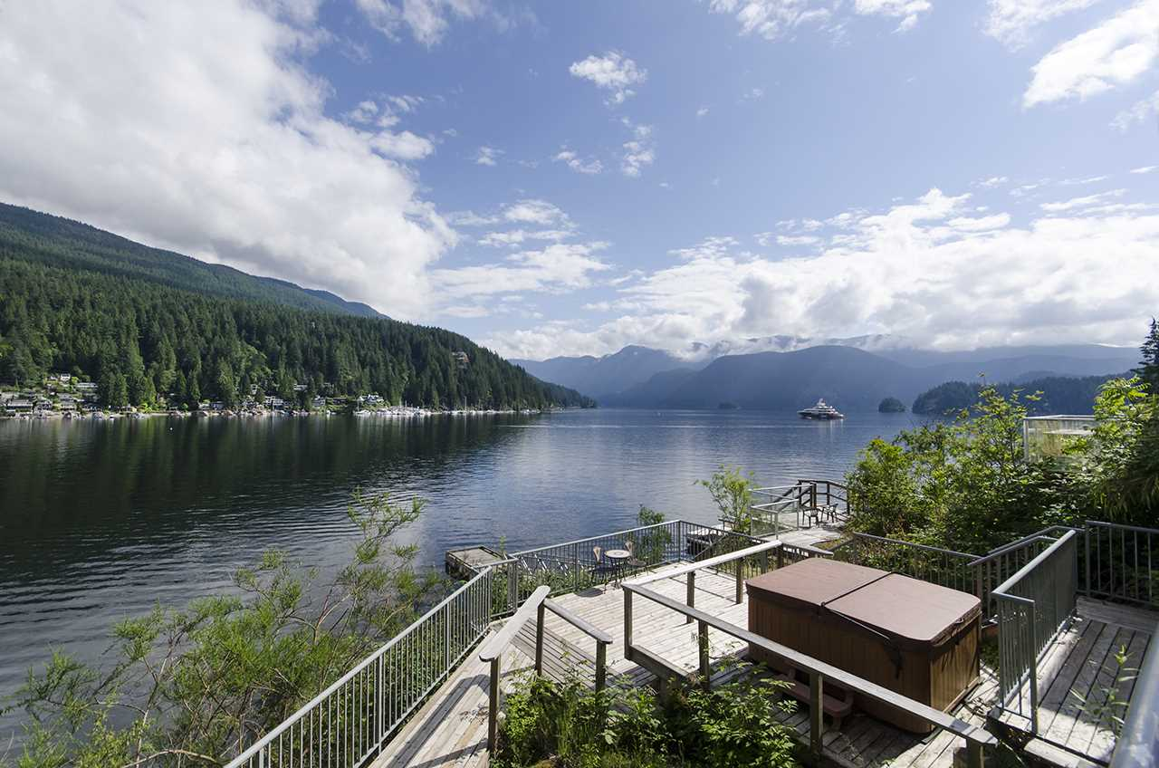 2136 LOCKEHAVEN Deep Cove, North Vancouver (R2278703)