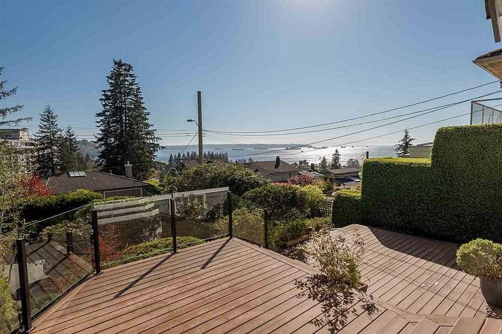 1027 CLYDE Sentinel Hill, West Vancouver (R2283608)