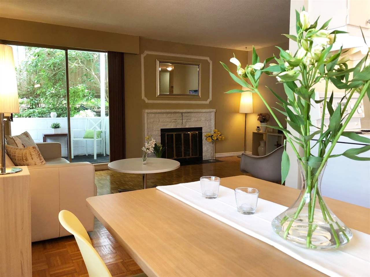 2 140 E 20TH STREET - Central Lonsdale - North Vancouver