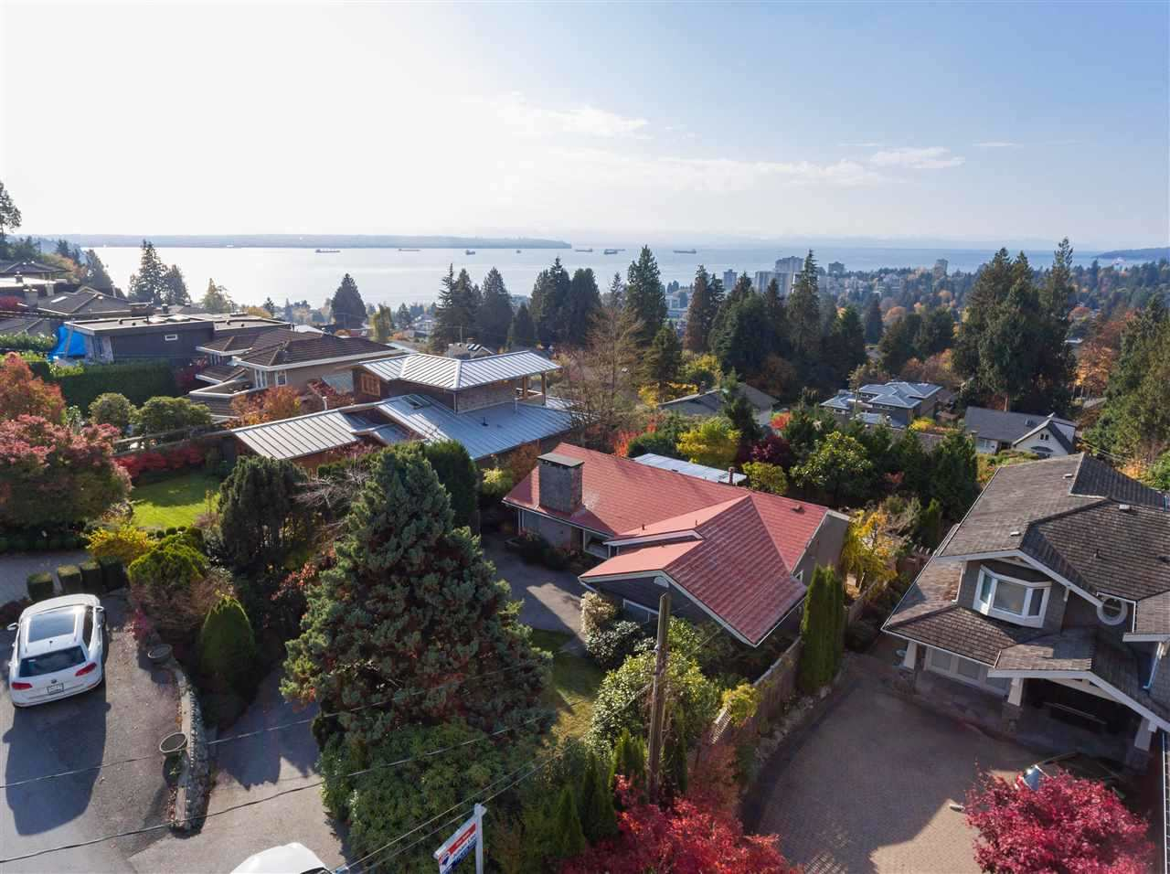 1045 BRAESIDE Sentinel Hill, West Vancouver (R2285602)