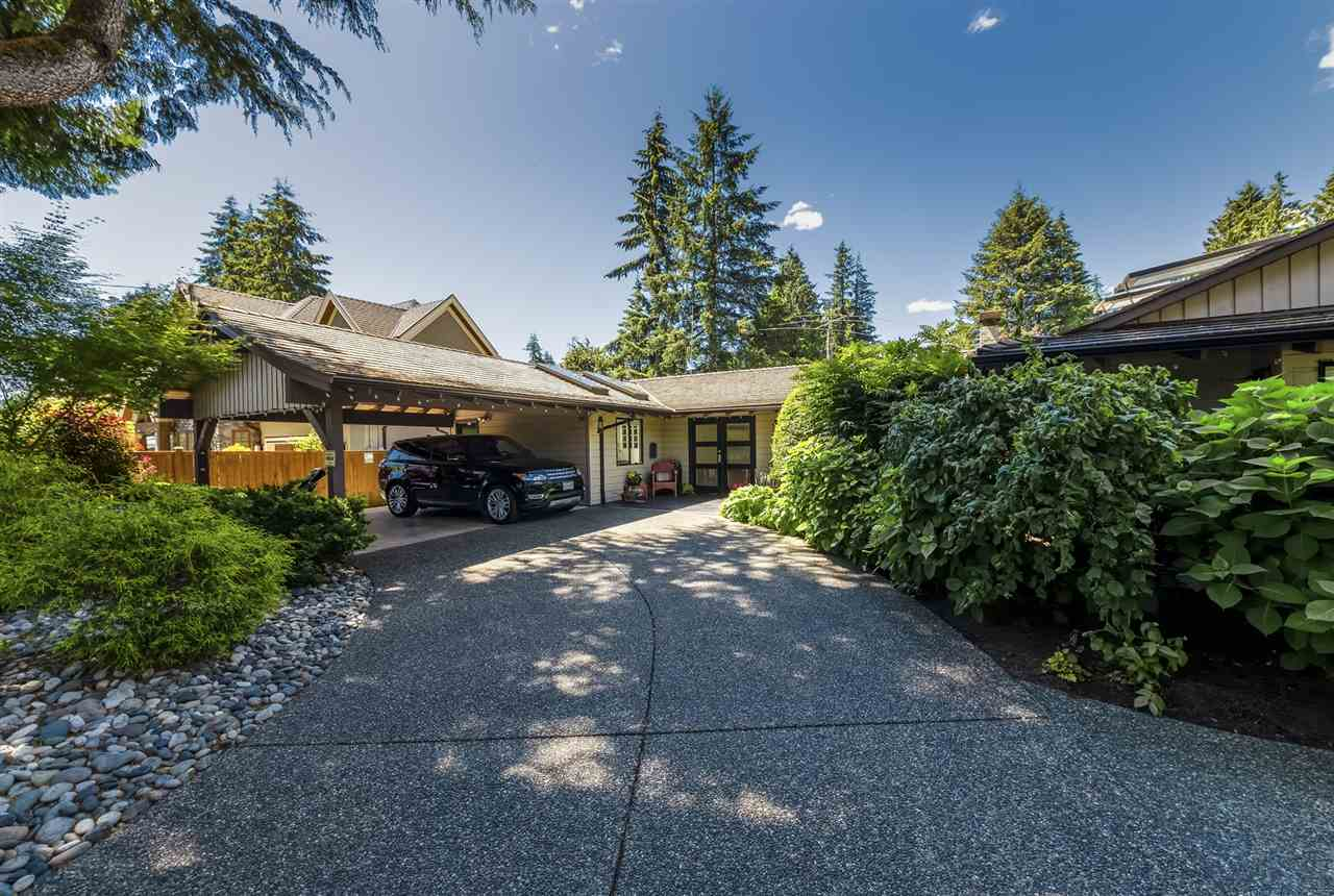 3977 LEWISTER Edgemont, North Vancouver (R2286134)