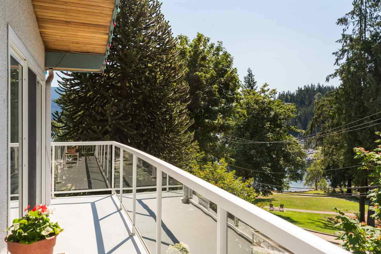 2441 PANORAMA Deep Cove, North Vancouver (R2287570)