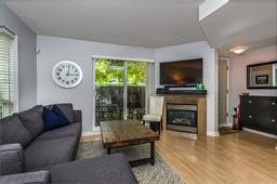 9 288 ST. DAVIDS AVENUE - Lower Lonsdale - North Vancouver