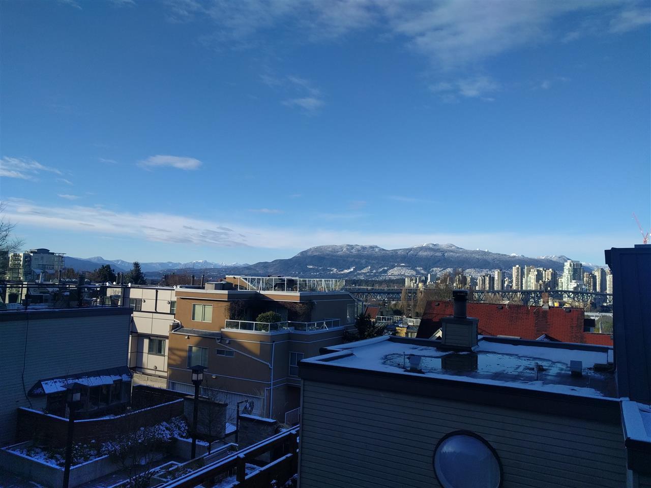 10 1263 W 8TH AVENUE - Fairview - Vancouver