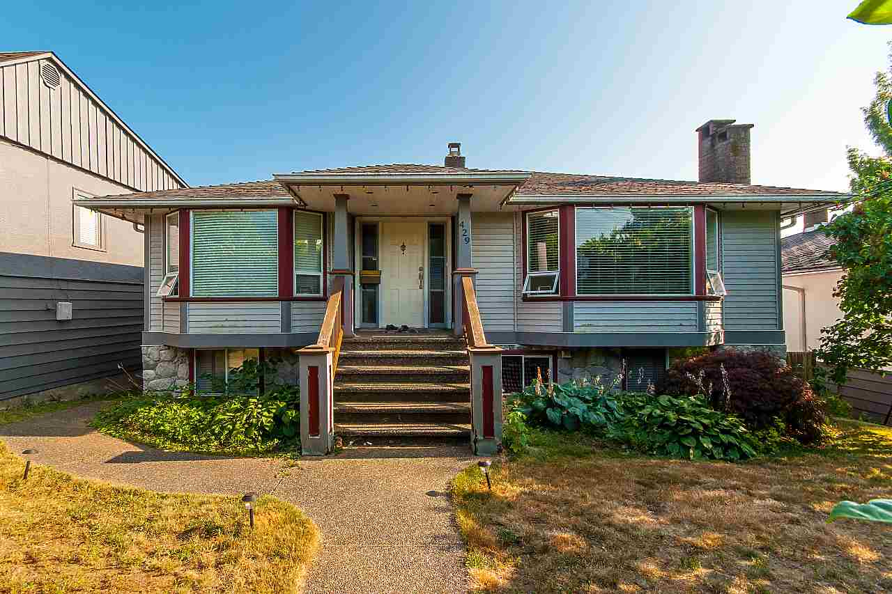 429 W QUEENS Upper Lonsdale, North Vancouver (R2294802)