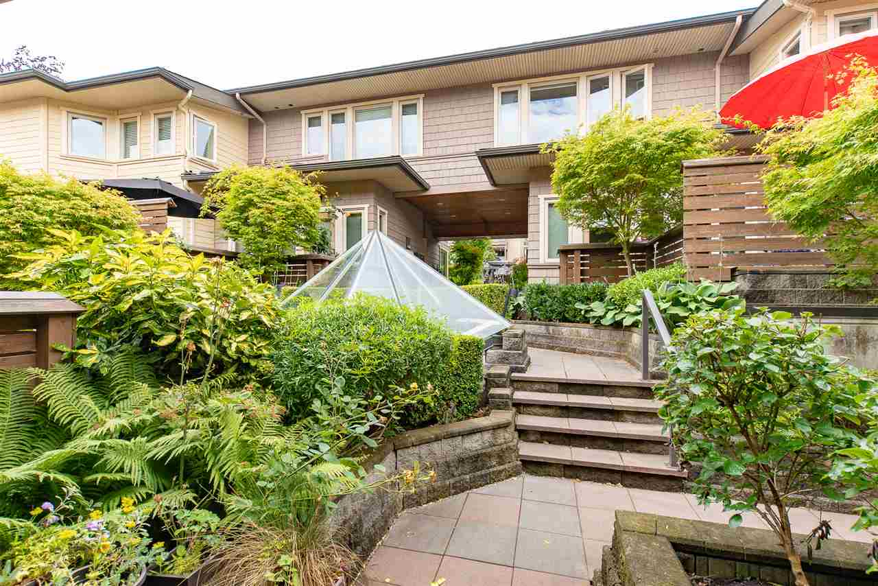 5 -  215 E 4TH #5 Lower Lonsdale, North Vancouver (R2297145)